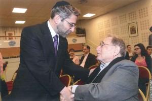 Haïm Korsia, grand rabbin de France, et le professeur Ady Steg, président d'honneur de l'AIU