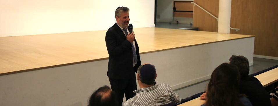 M. David Guez, directeur du collège lycée Georges Leven