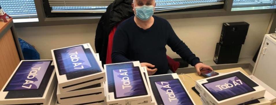 Continuité pédagogique : les tablettes viennent d'être livrées